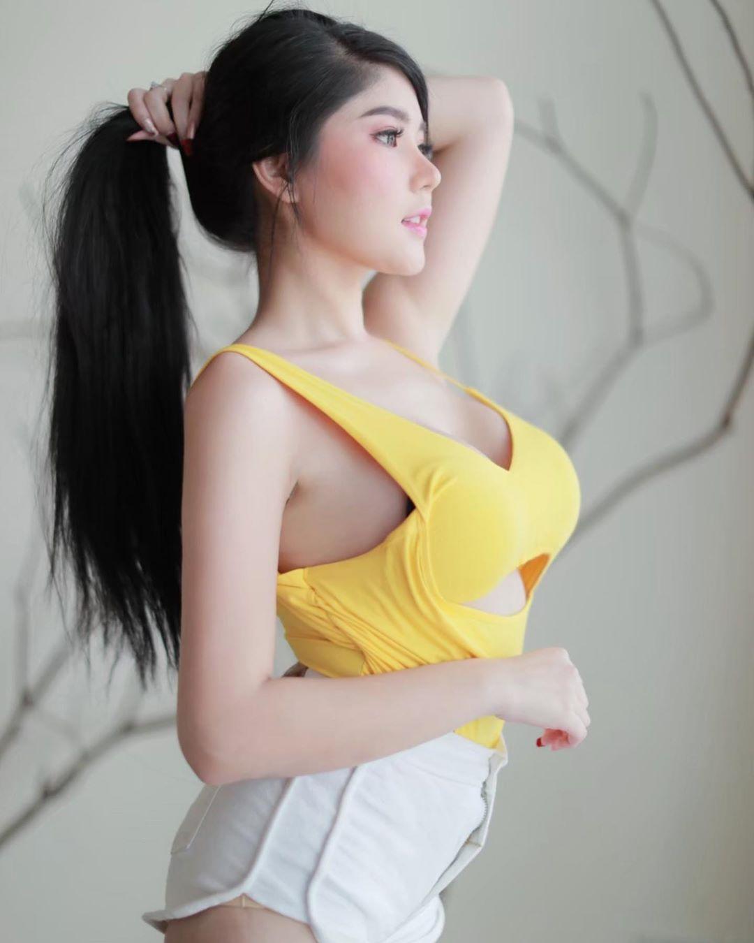 yellow-mookkie