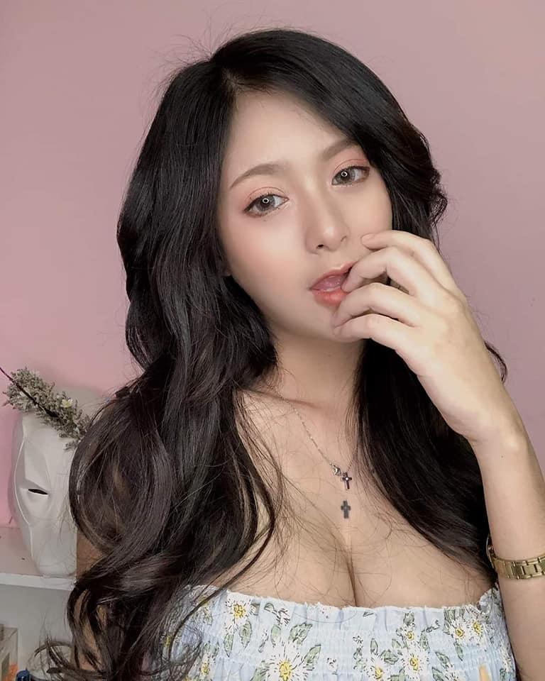 กีกี้ เขมิกา นางแบบสาวสักสวยกับงานถ่ายแบบ โชว์หุ่นแซ่บ